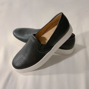 NWT Naturalizer Carly Pebbled Leather SlipOn Shoes